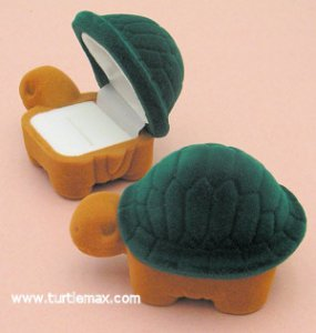 Flocked Turtle Ring Box